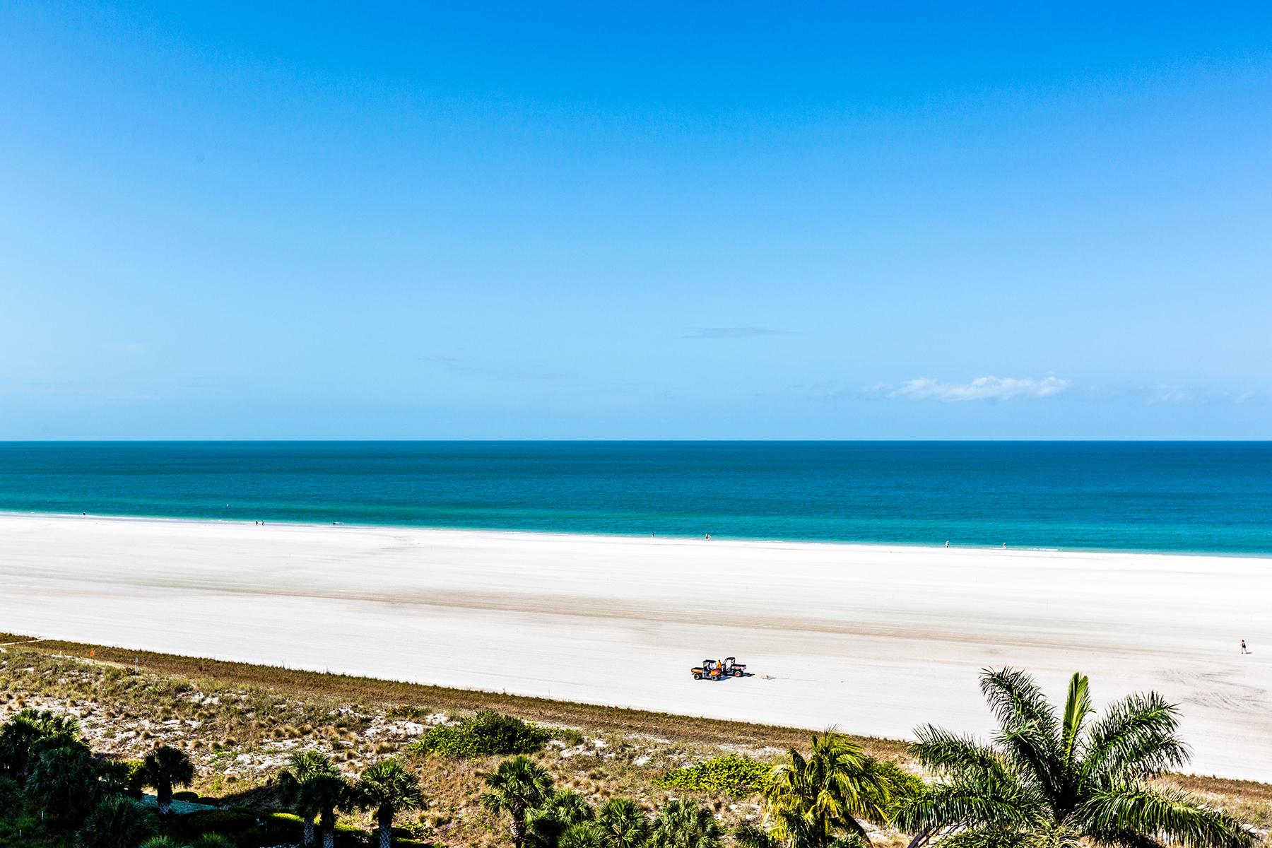 Condominio por un Venta en MARCO ISLAND - ADMIRALTY HOUSE 140 Seaview Ct 906S Marco Island, Florida, 34145 Estados Unidos