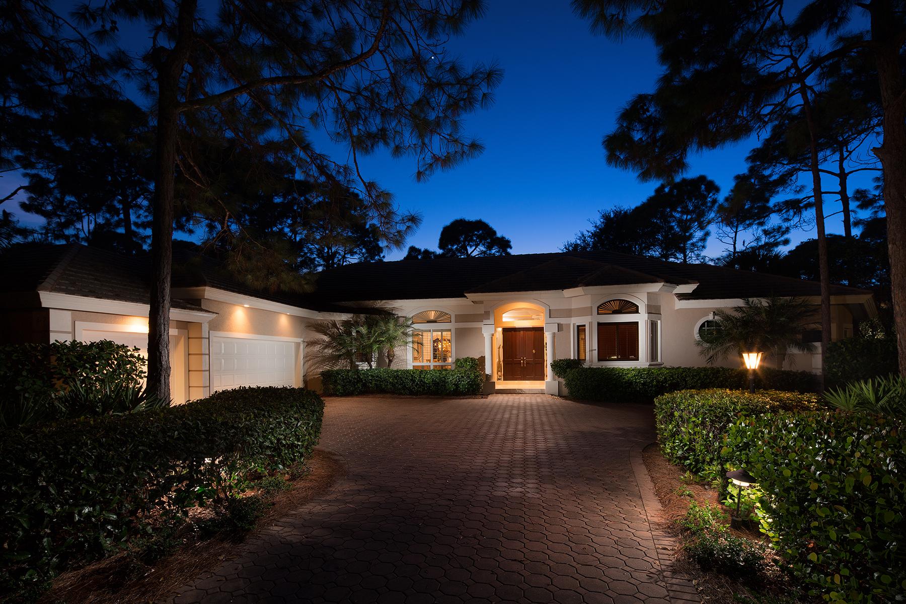단독 가정 주택 용 매매 에 COLLIERS RESERVE 819 Barcarmil Way Naples, 플로리다, 34110 미국