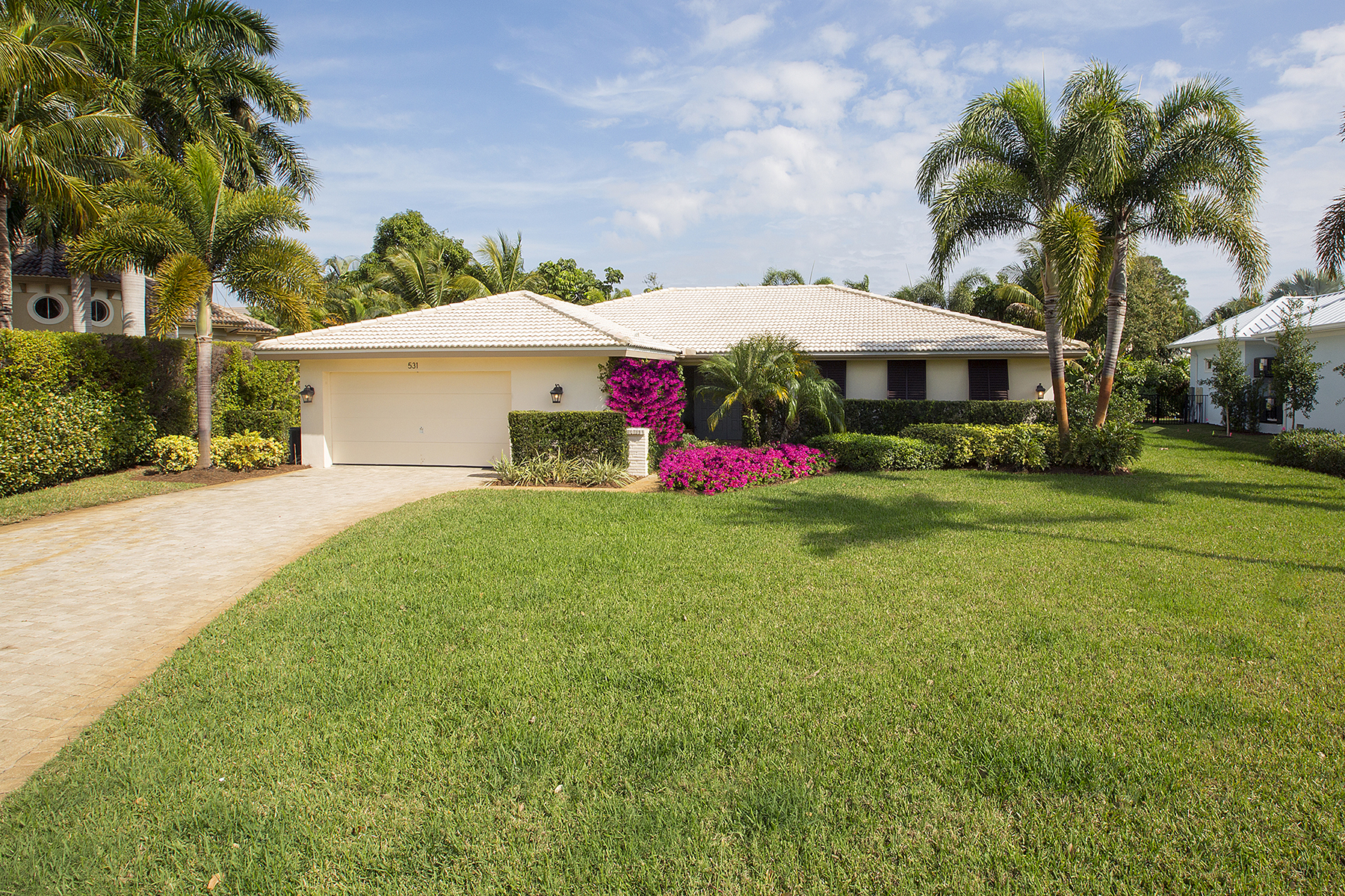 Single Family Home for Sale at PARK SHORE 531 Turtle Hatch Ln Naples, Florida, 34103 United States