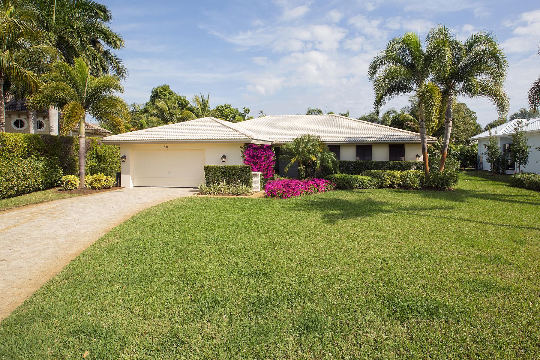 Casa para uma família para Venda às PARK SHORE 531 Turtle Hatch Ln Naples, Florida, 34103 Estados Unidos