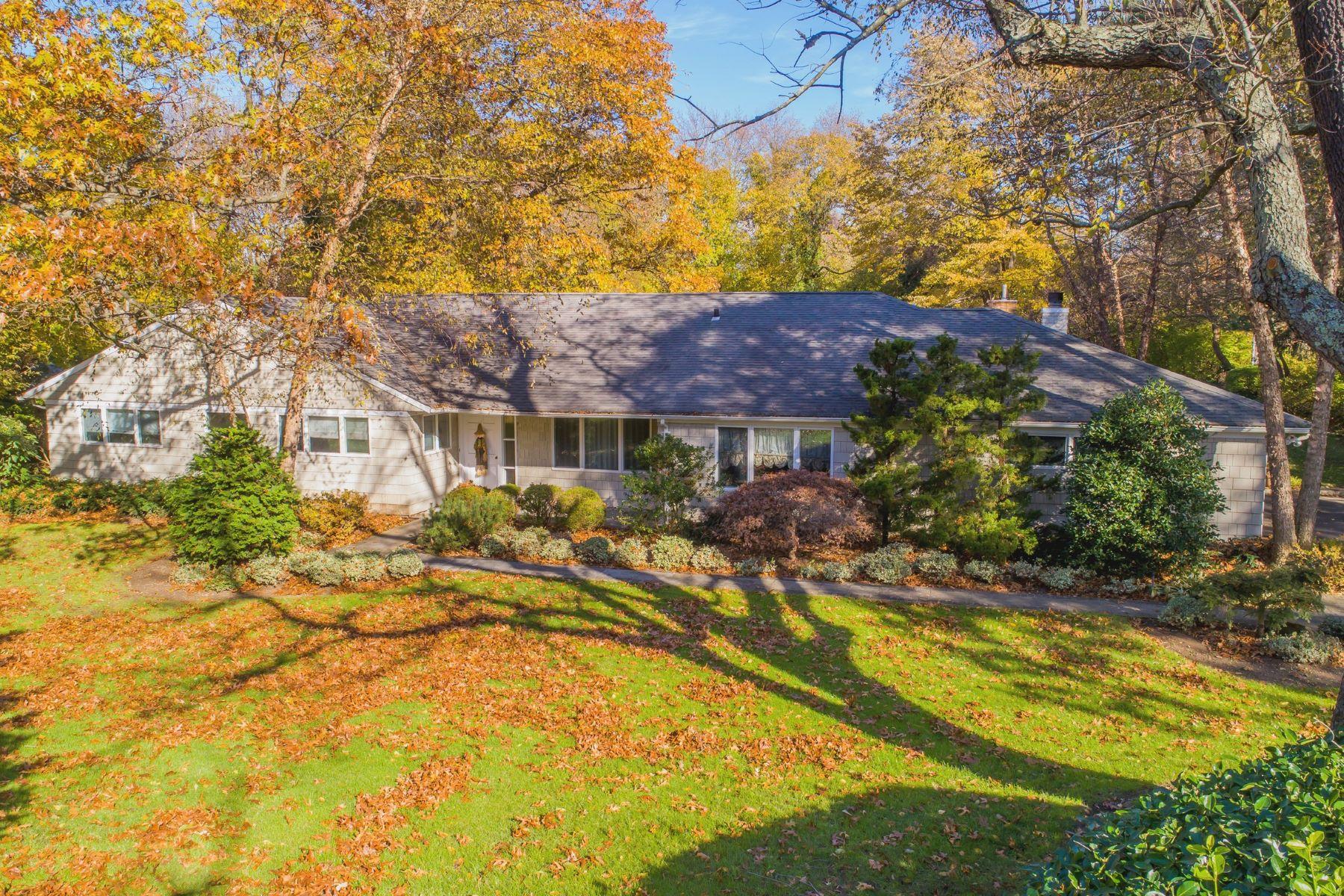 Частный односемейный дом для того Продажа на 9 Sycamore Dr , Sands Point, NY 11050 Sands Point, Нью-Йорк, 11050 Соединенные Штаты