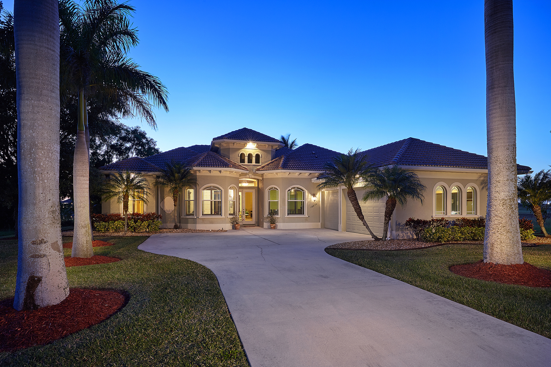 Single Family Home for Sale at ROYAL PALM GOLF ESTATES 18630 Royal Hammock Blvd Naples, Florida, 34114 United States
