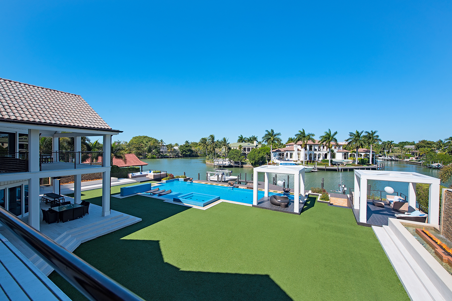 Additional photo for property listing at PORT ROYAL 711  Galleon Dr,  Naples, Florida 34102 United States