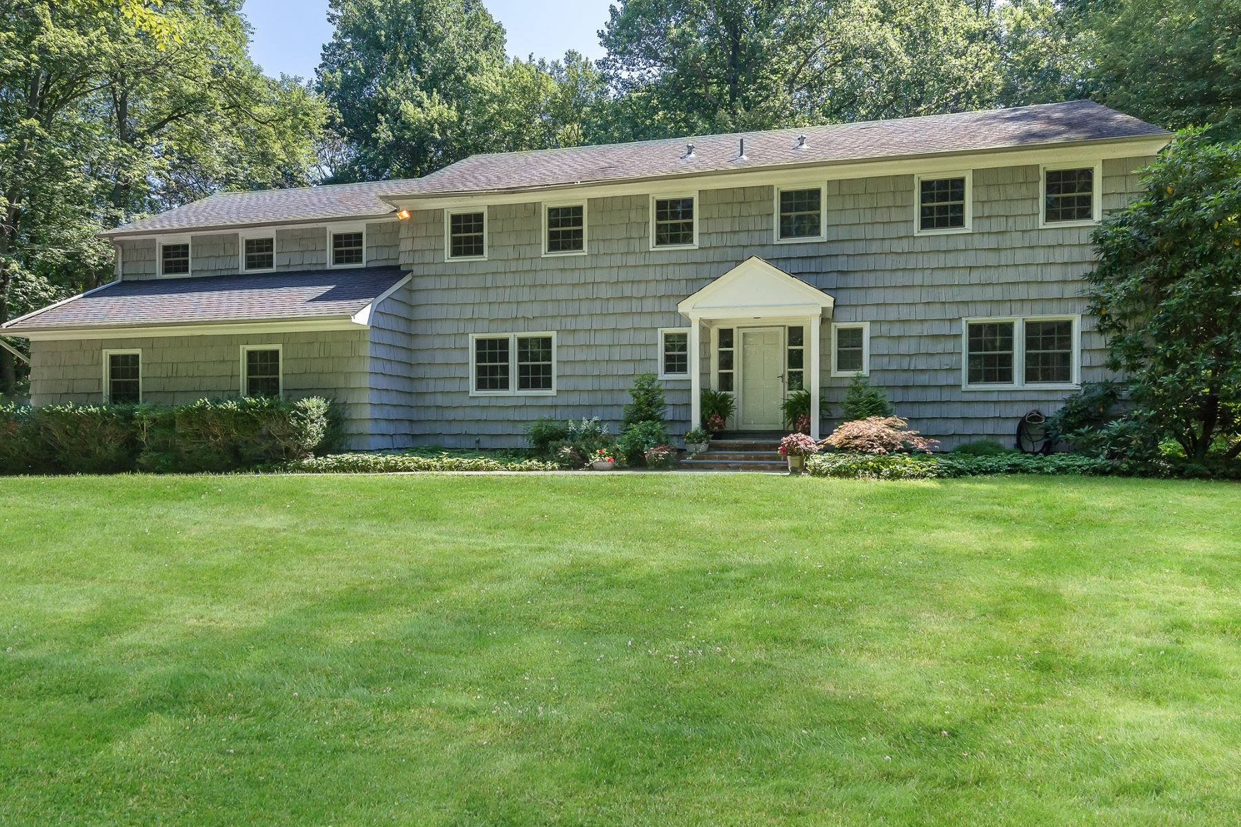 独户住宅 为 销售 在 28 Frost Mill Rd , Mill Neck, NY 11765 28 Frost Mill Rd, Mill Neck, 纽约州, 11765 美国