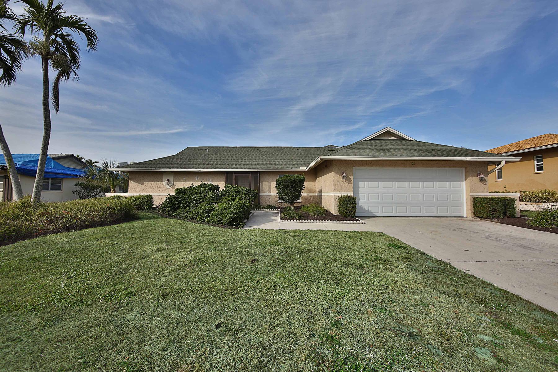 獨棟家庭住宅 為 出售 在 MARCO BEACH 108 Landmark St, Marco Island, 佛羅里達州, 34145 美國