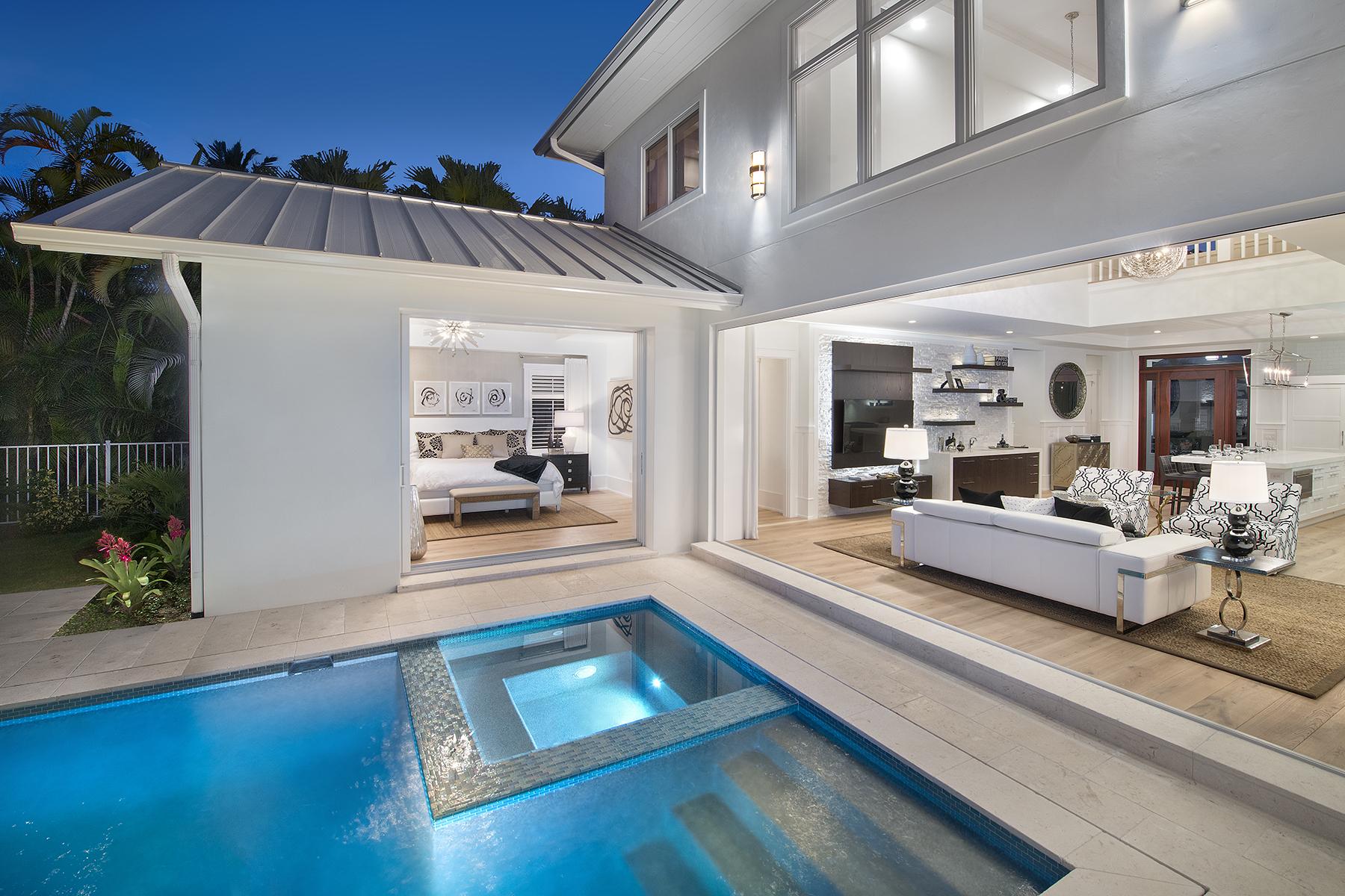 단독 가정 주택 용 매매 에 OLDE NAPLES 1263 4th St S Naples, 플로리다, 34102 미국