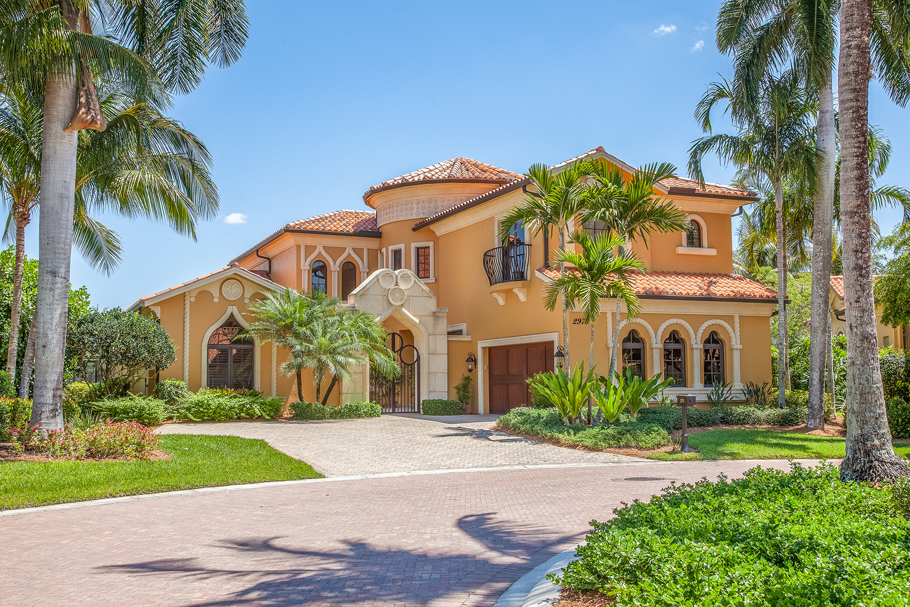 Single Family Home for Sale at SERAFINA AT TIBURON 2970 Tiburon Blvd E, Naples, Florida 34109 United States