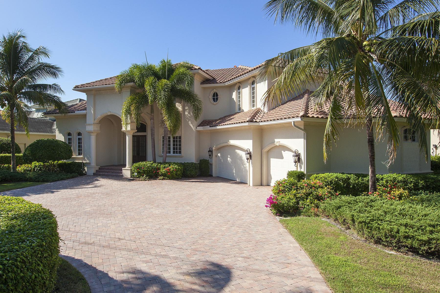 独户住宅 为 销售 在 MOORINGS 1831 Crayton Rd 那不勒斯, 佛罗里达州, 34102 美国
