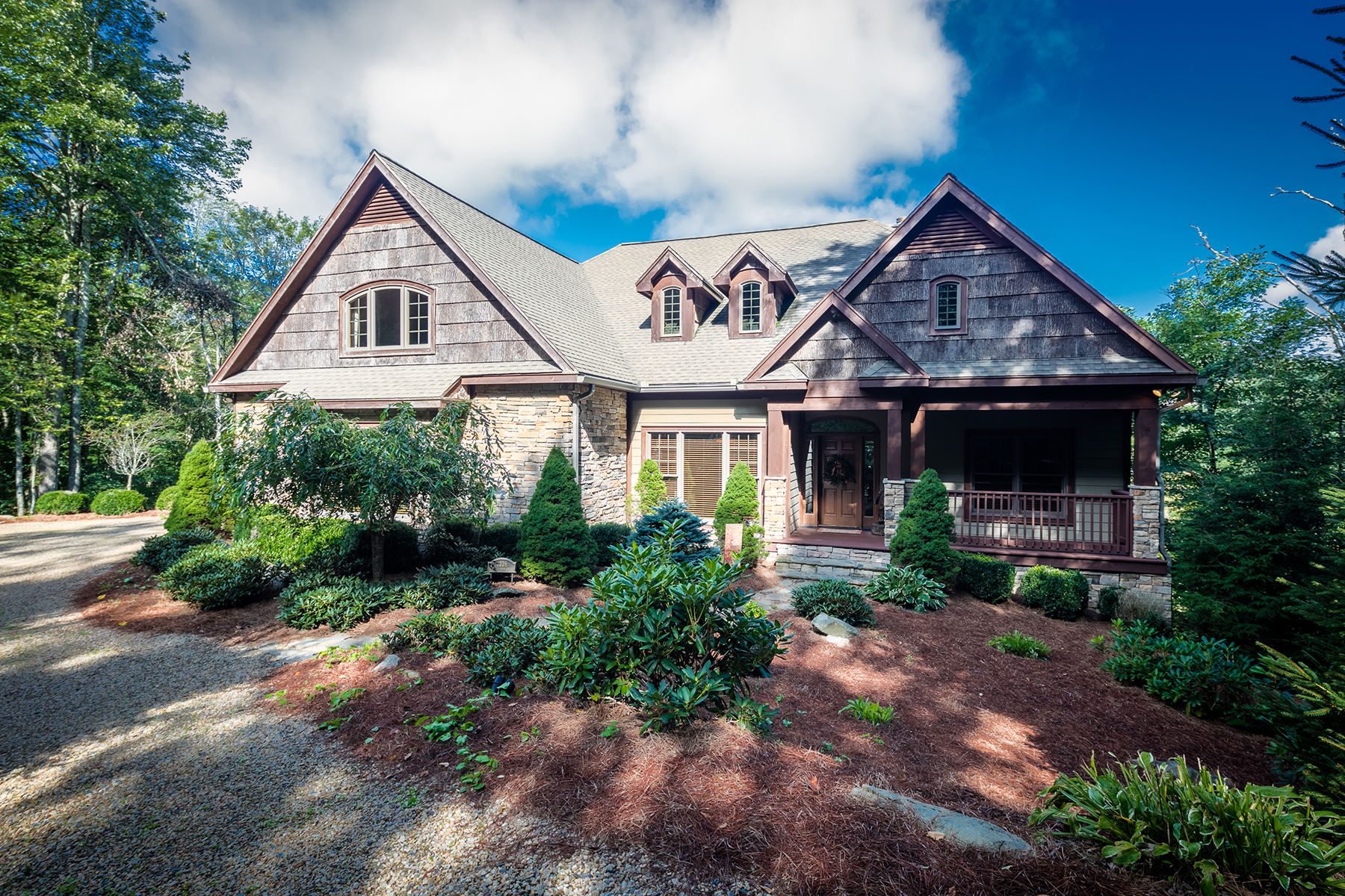 Single Family Home for Sale at SUGAR MOUNTAIN 1226 Grouse Moor Sugar Mountain, North Carolina, 28604 United States