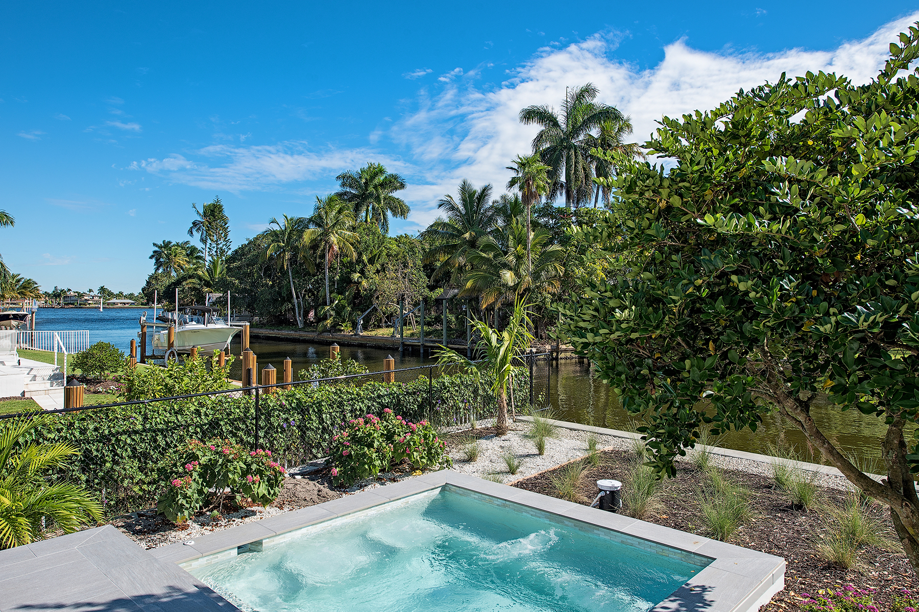 Additional photo for property listing at AQUALANE SHORES 840  17th Ave  S,  Naples, Florida 34102 United States
