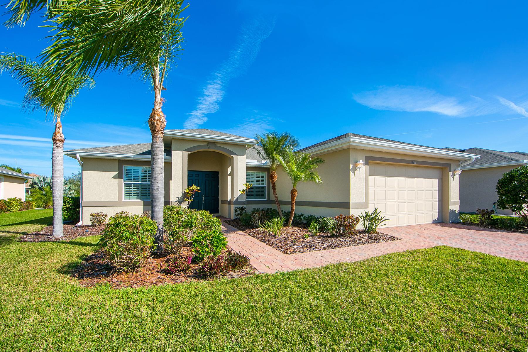 Частный односемейный дом для того Продажа на VENTURA VILLAGE 5384 Layton Dr, Venice, Флорида, 34293 Соединенные Штаты