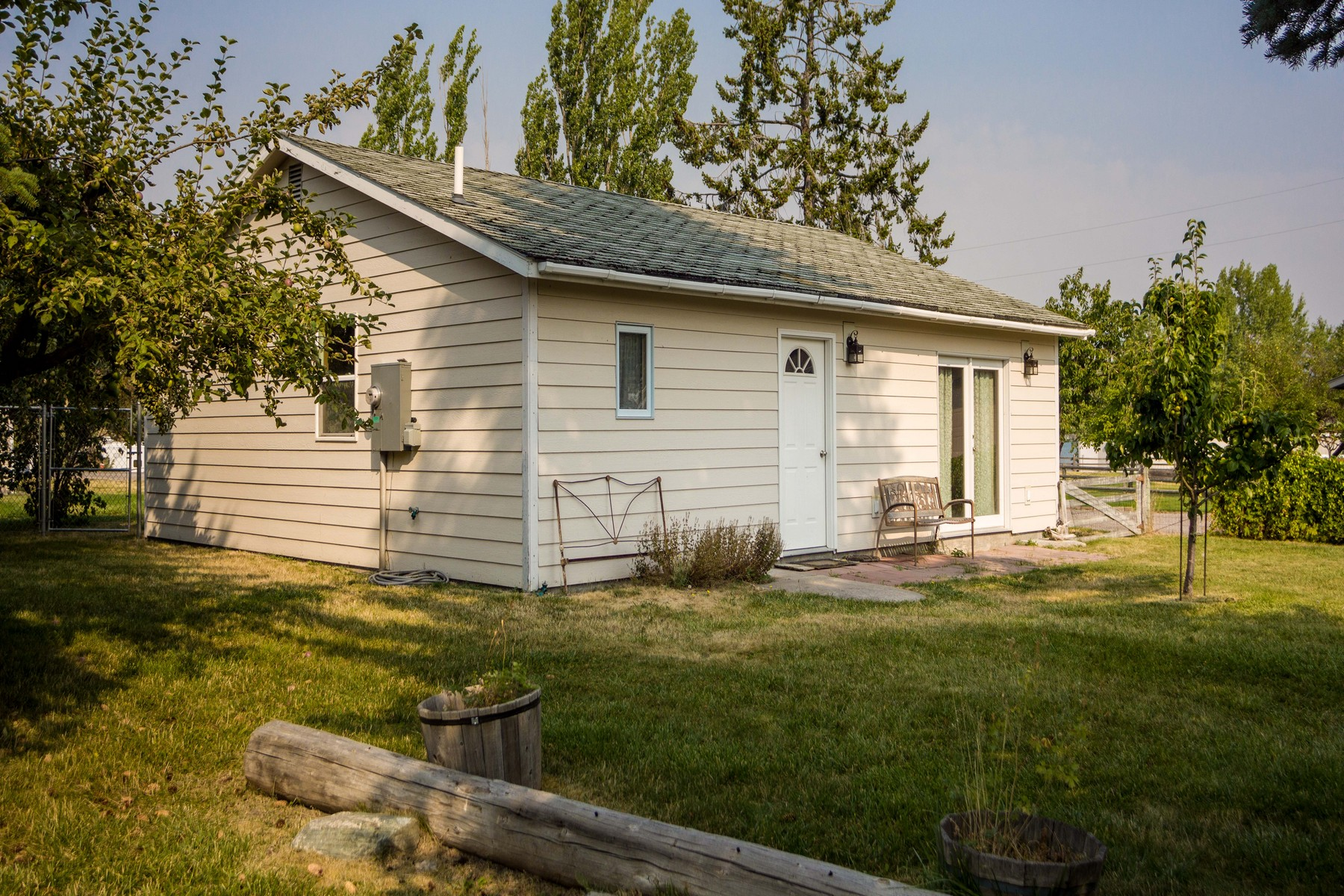 Additional photo for property listing at 28284 Skipping Rock Ln , Big Arm, MT 59910 28284  Skipping Rock Ln Big Arm, Montana 59910 United States