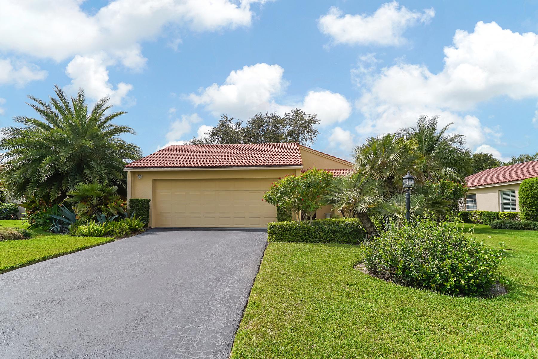 Single Family Home for Sale at LAS CASAS 7228 Las Casas Dr 9, Sarasota, Florida, 34243 United States