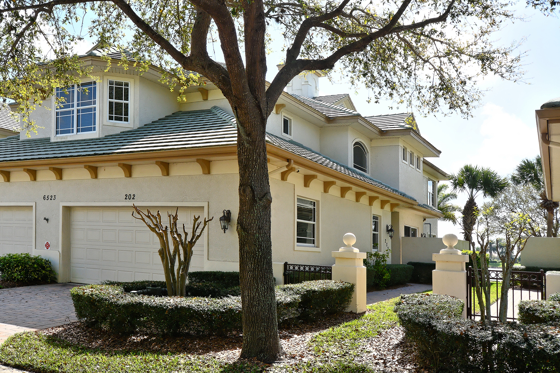 Condominium for Sale at THE MOORINGS AT EDGEWATER 6523 Moorings Point Cir 202 Lakewood Ranch, Florida 34202 United States