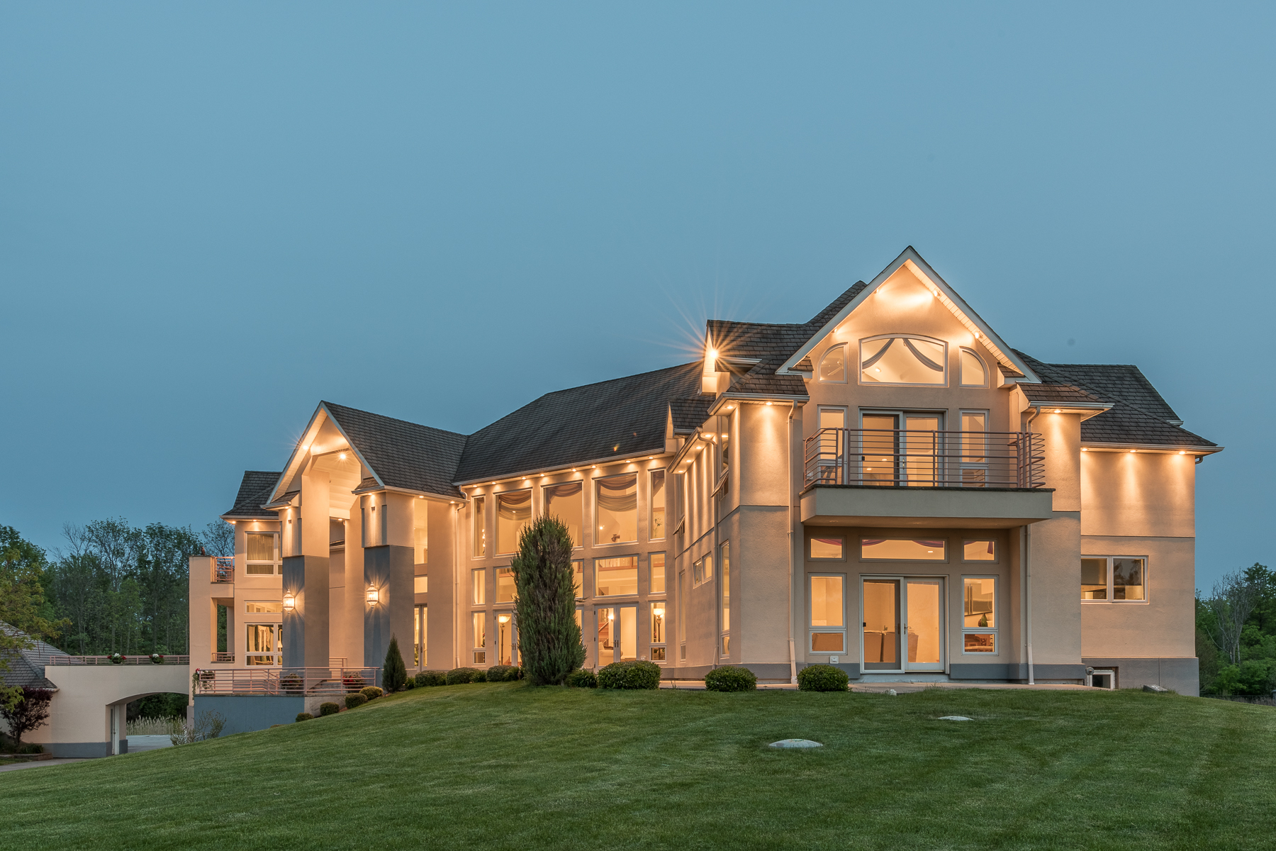 Additional photo for property listing at Shalimar on the Majestic Niagara River 4400 E River Rd Grand Island, 纽约州 14072 美国