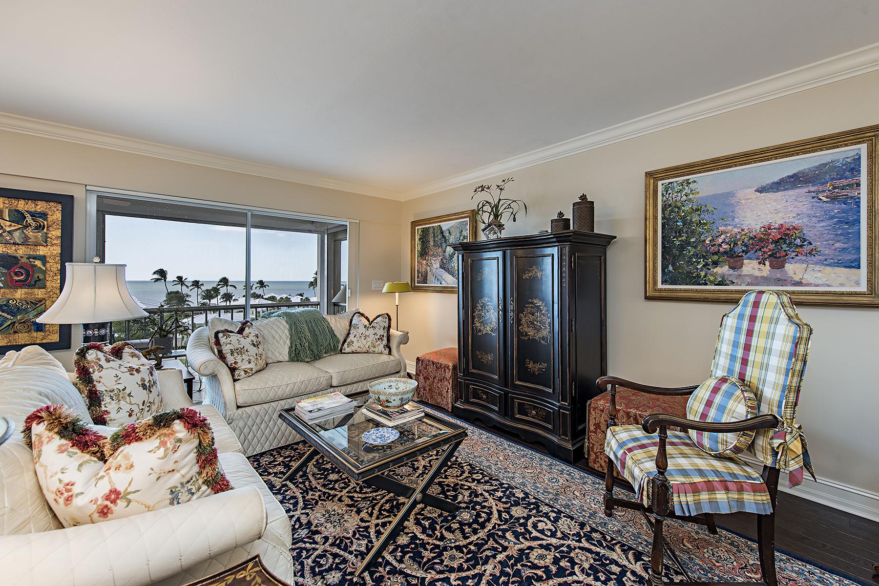 共管式独立产权公寓 为 销售 在 MOORINGS - SPINDRIFT CLUB 2600 Gulf Shore Blvd N 66 那不勒斯, 佛罗里达州, 34103 美国