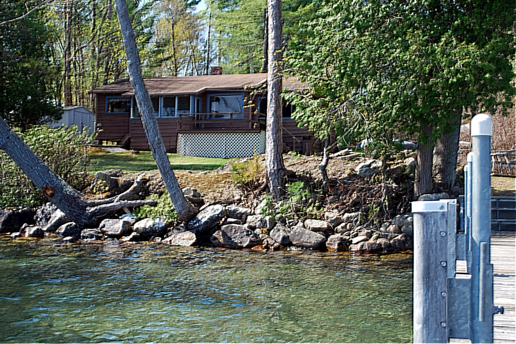 Villa per Vendita alle ore Waterfront Cottage on Lake George 39 Pine Cove Rd Hague, New York, 12836 Stati Uniti