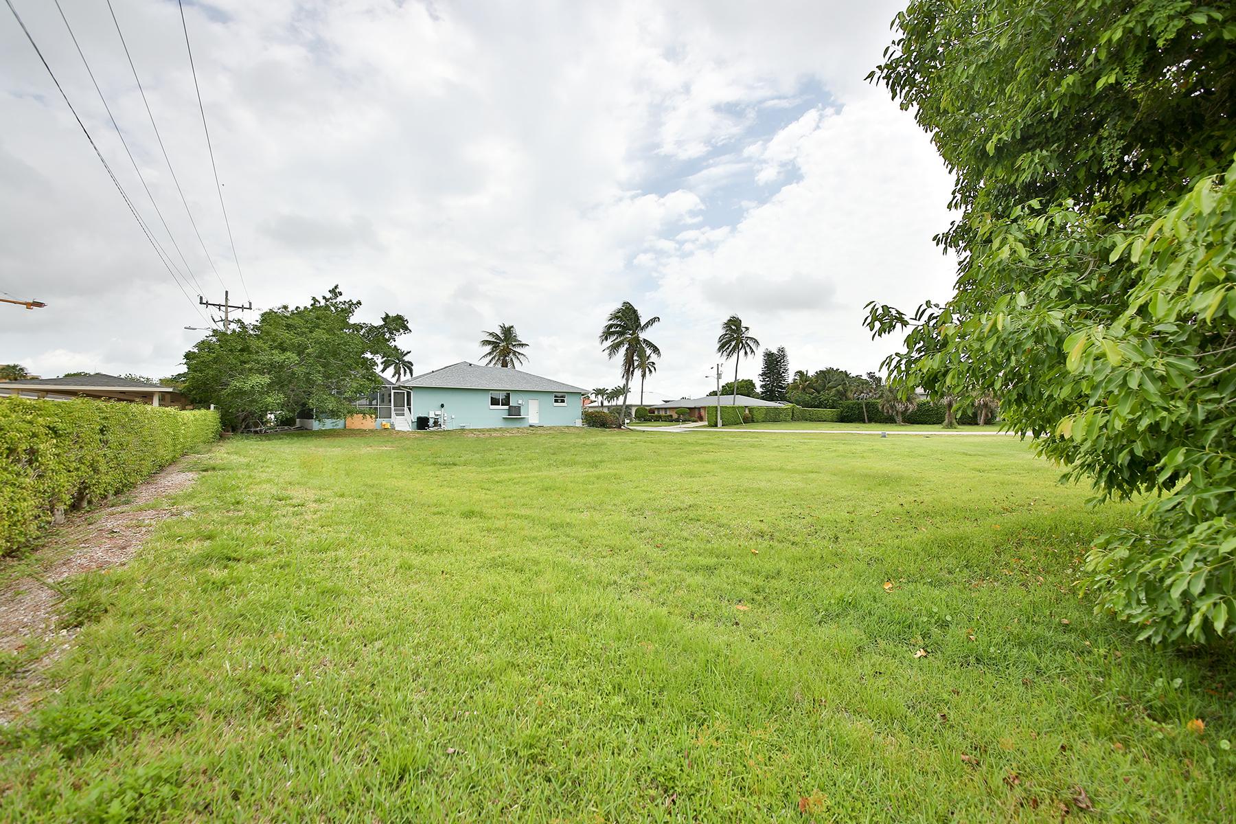 Arazi için Satış at MARCO ISLAND 498 Fieldstone Dr Marco Island, Florida, 34145 Amerika Birleşik Devletleri