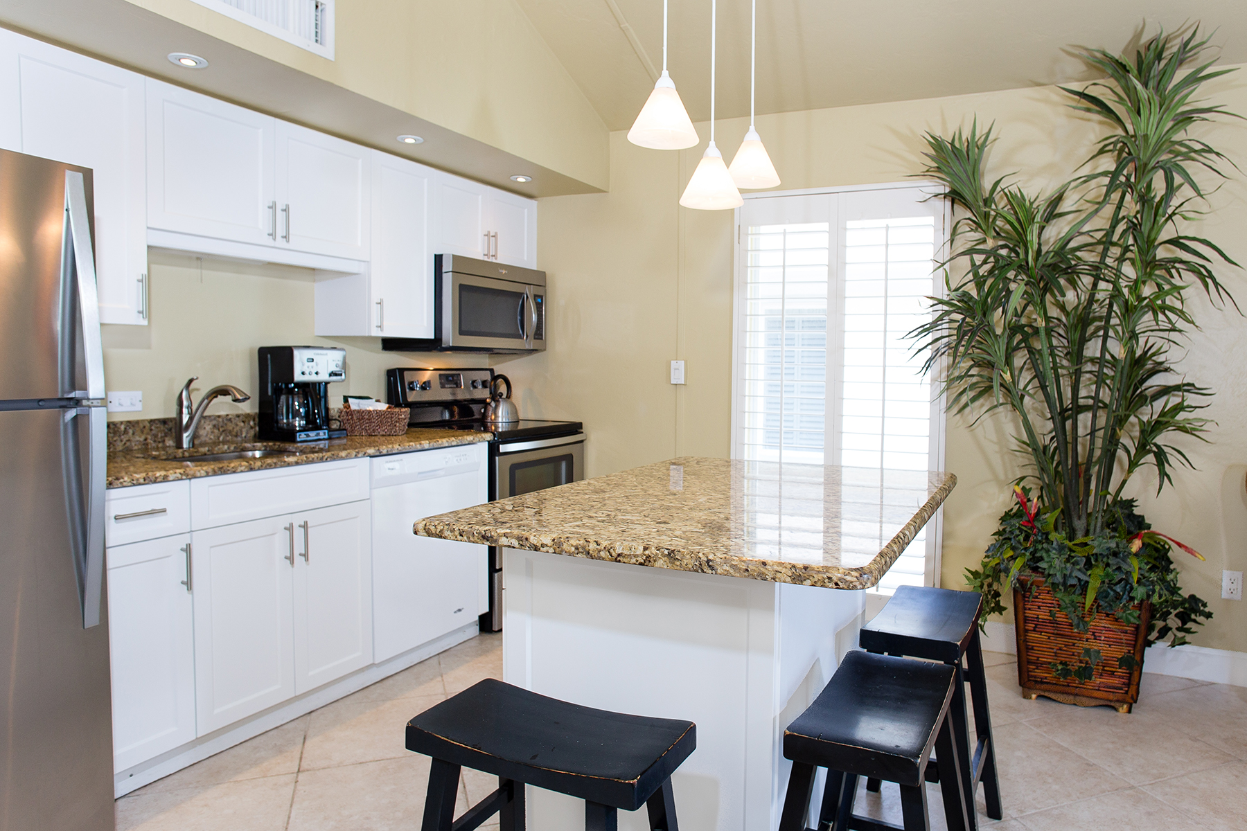 Additional photo for property listing at SANIBEL 2255 W Gulf Dr 116,  Sanibel, Florida 33957 United States