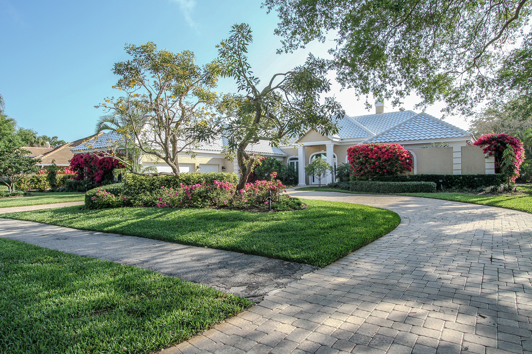 Single Family Home for Rent at PELICAN BAY - BARRINGTON CLUB 6974 Greentree Dr Naples, Florida 34108 United States