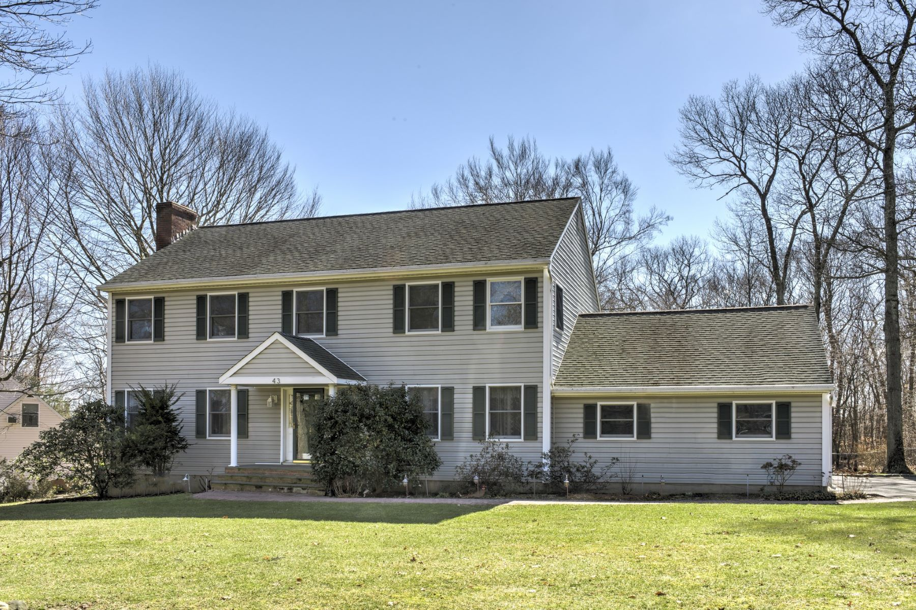 Частный односемейный дом для того Продажа на 43 Ida Ln , Aquebogue, NY 11931 43 Ida Ln, Aquebogue, Нью-Йорк, 11931 Соединенные Штаты