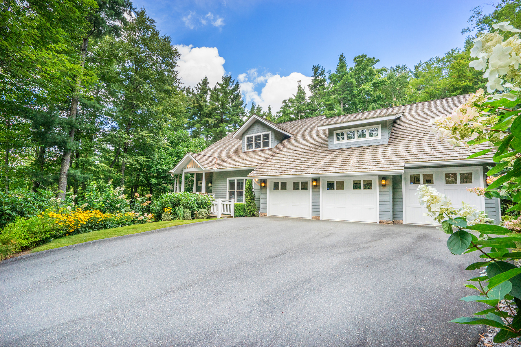 Single Family Home for Sale at BLOWING ROCK 262 High Ridge Ln, Blowing Rock, North Carolina 28605 United States