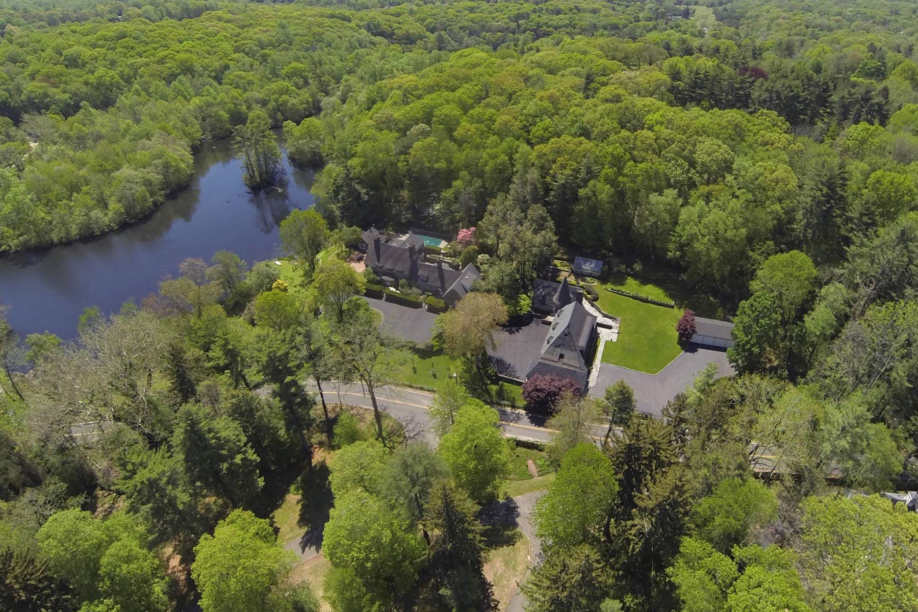 Частный односемейный дом для того Продажа на 6 Frost Mill Rd , Mill Neck, NY 11765 6 Frost Mill Rd, Mill Neck, Нью-Йорк, 11765 Соединенные Штаты