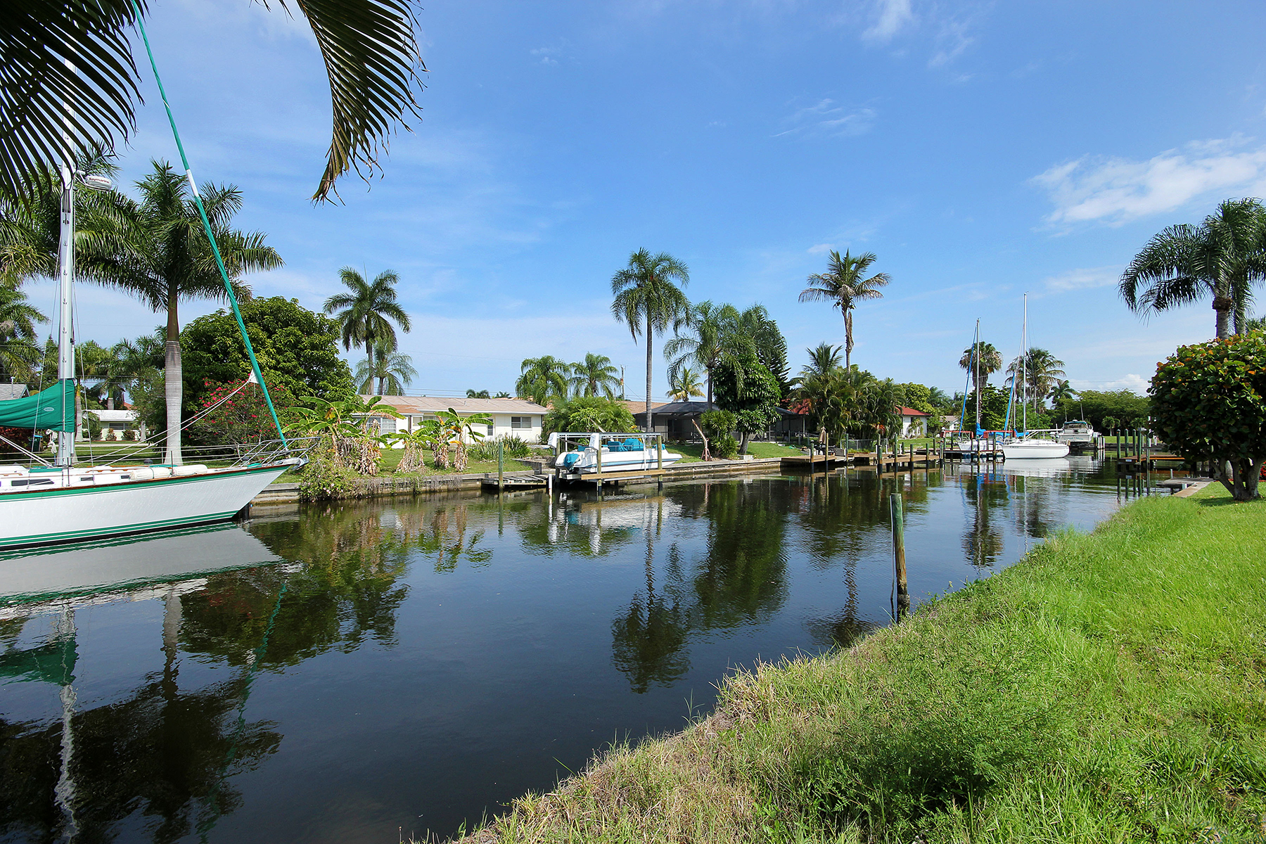 Additional photo for property listing at CAPE CORAL 5318  Colonade Ct,  Cape Coral, Florida 33904 United States