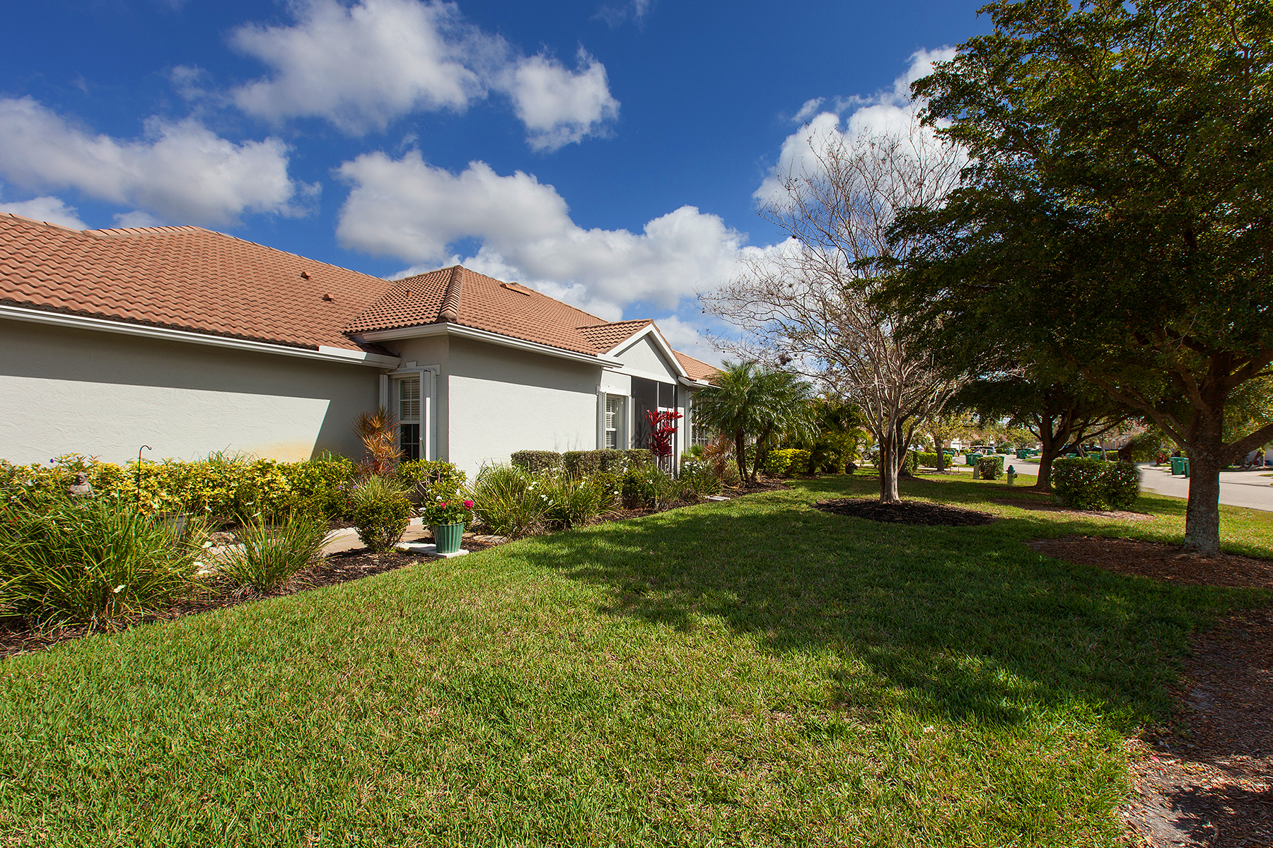 Townhouse for Sale at PELICAN POINTE GOLF & COUNTRY CLUB 1922 San Silvestro Dr, Venice, Florida 34285 United States