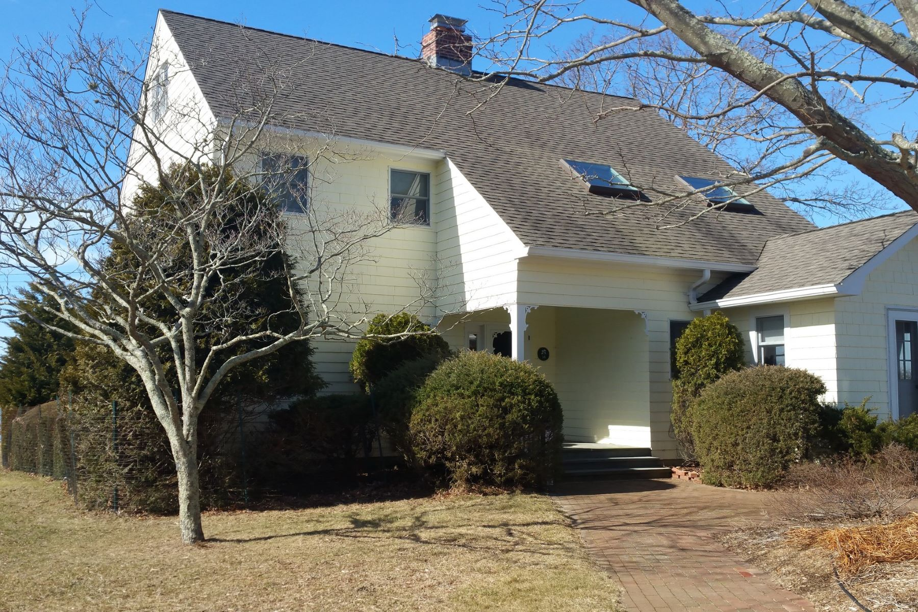 Single Family Home for Rent at 14 Montclair Ave , Shelter Island, NY 11964 14 Montclair Ave, Shelter Island, New York, 11964 United States