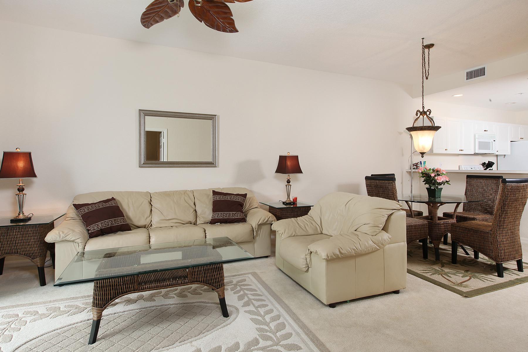 Appartement en copropriété pour l Vente à WHISPER TRACE - FIDDLER'S CREEK 8365 Whisper Trace Way 102 Naples, Florida, 34114 États-Unis