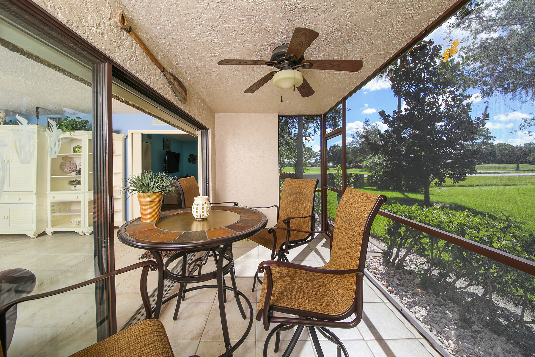 Additional photo for property listing at PALM AIRE 5640  Golf Pointe Dr 101,  Sarasota, Florida 34243 United States