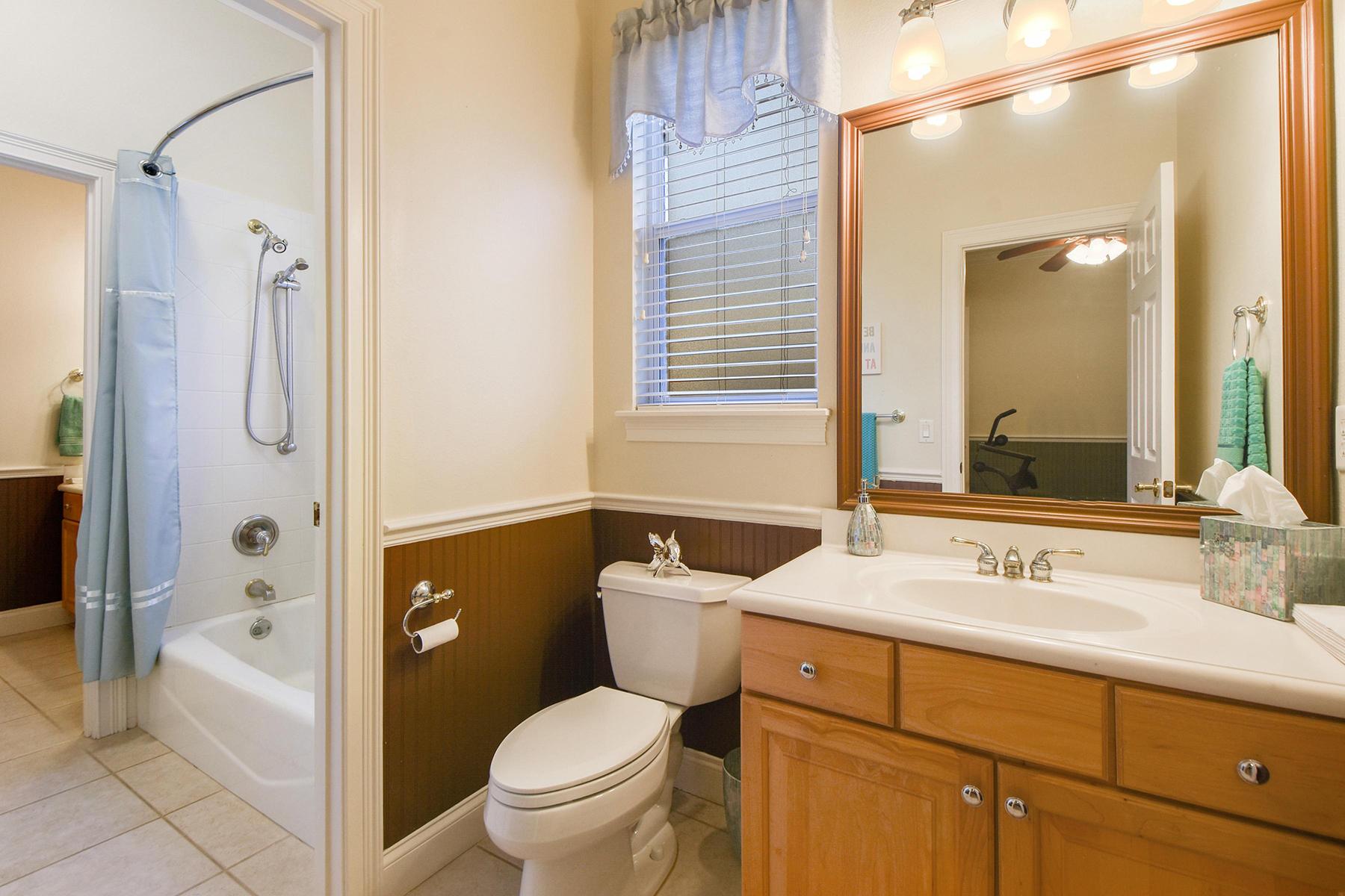 Additional photo for property listing at 1903 Lake Roberts Ct , Windermere, FL 34786 1903  Lake Roberts Ct,  Windermere, Florida 34786 United States