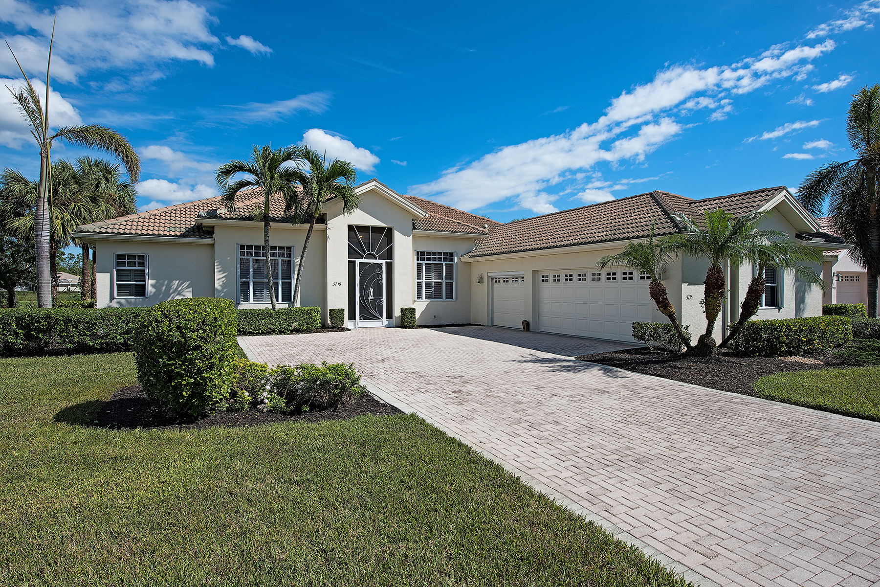 Single Family Home for Sale at FOREST GLEN 3715 Jungle Plum Dr W, Naples, Florida 34114 United States