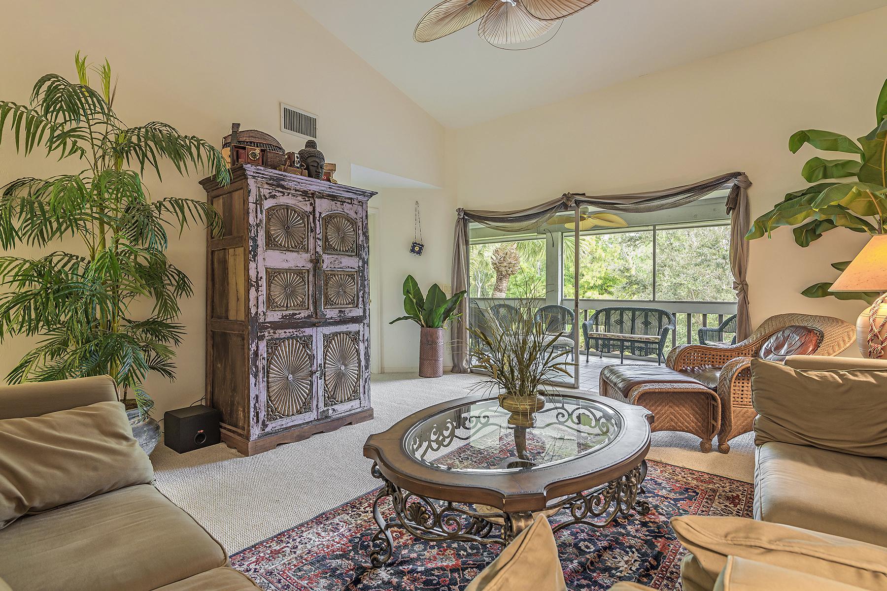 Condominio per Vendita alle ore WIGGINS BAY - COLONY AT WIGGINS BAY 662 Wiggins Bay Dr B-22 Naples, Florida, 34110 Stati Uniti