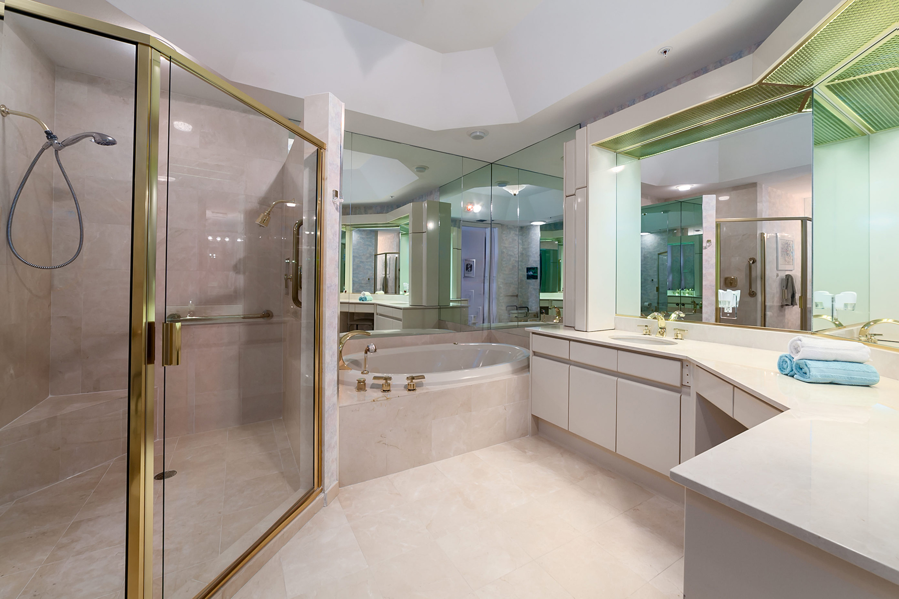Additional photo for property listing at L'AMBIANCE 435  L Ambiance Dr K206,  Longboat Key, Florida 34228 United States