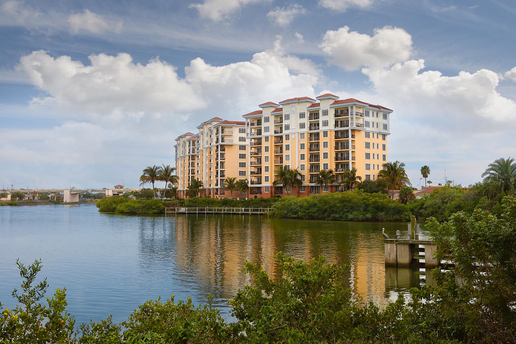 共管式独立产权公寓 为 销售 在 WATERFRONT ON VENICE ISLAND 157 Tampa Ave E 608 威尼斯, 佛罗里达州, 34285 美国