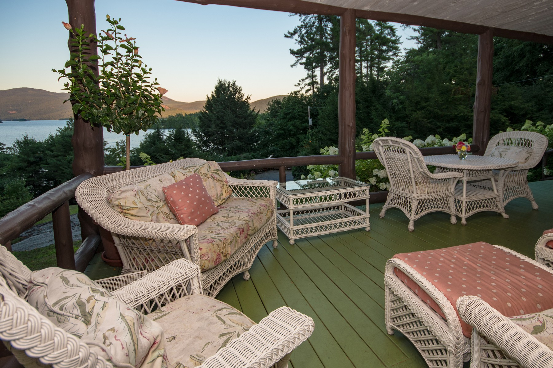 Additional photo for property listing at High Point 5078-5080  Lake Shore Dr Bolton Landing, New York 12814 États-Unis