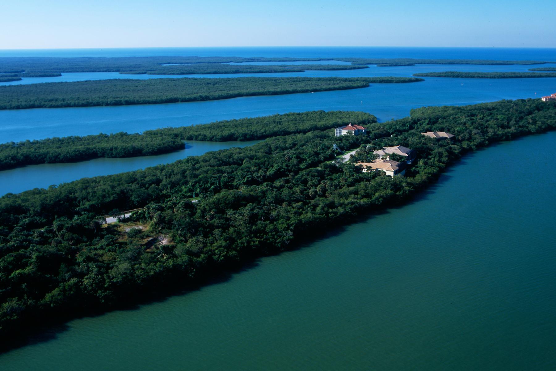 Terrain pour l Vente à KEY MARCO 1211 Blue Hill Creek Dr Marco Island, Florida, 34145 États-Unis