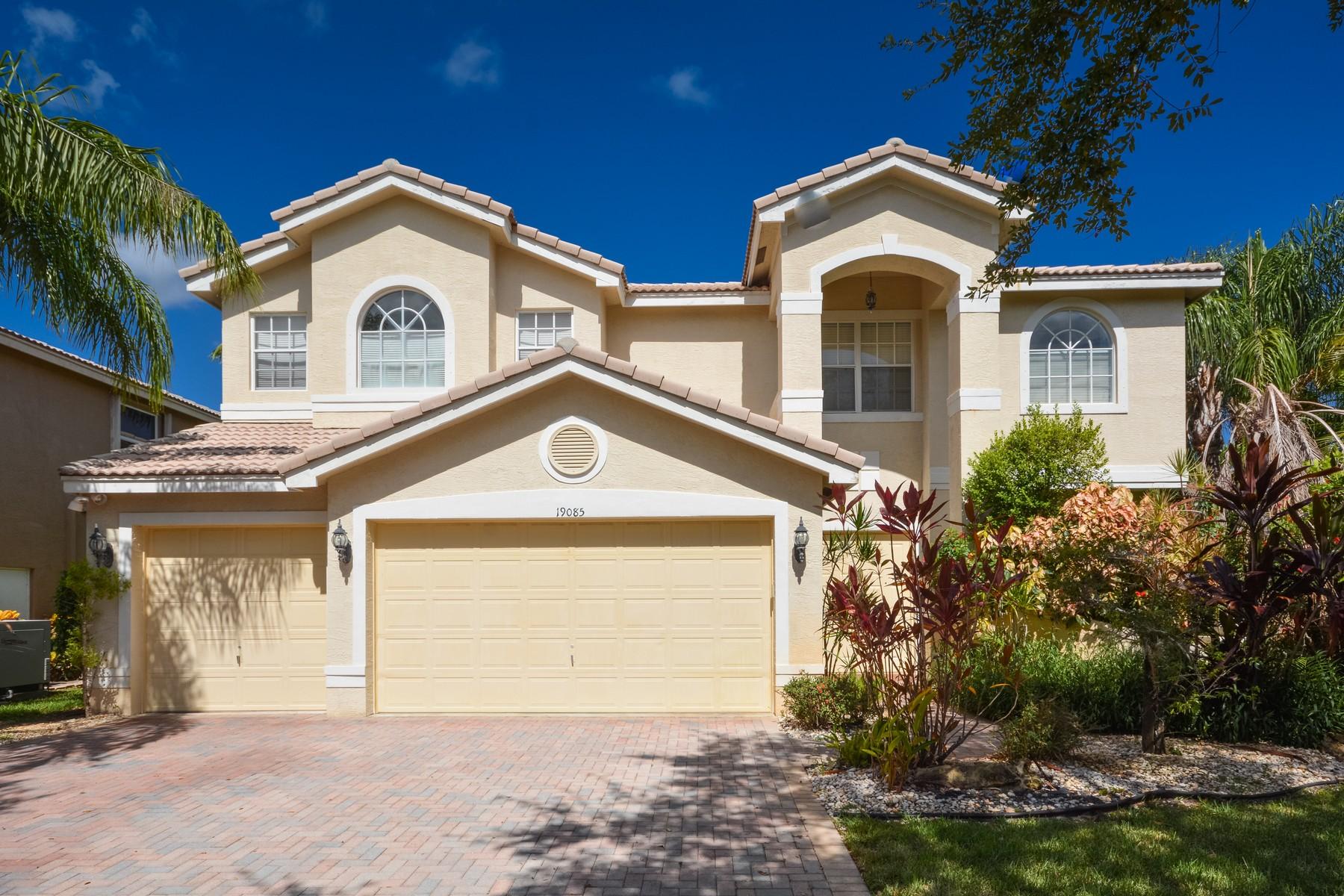 Maison unifamiliale pour l Vente à 19085 Streamside Ct , Boca Raton, FL 33498 19085 Streamside Ct Boca Raton, Florida, 33498 États-Unis