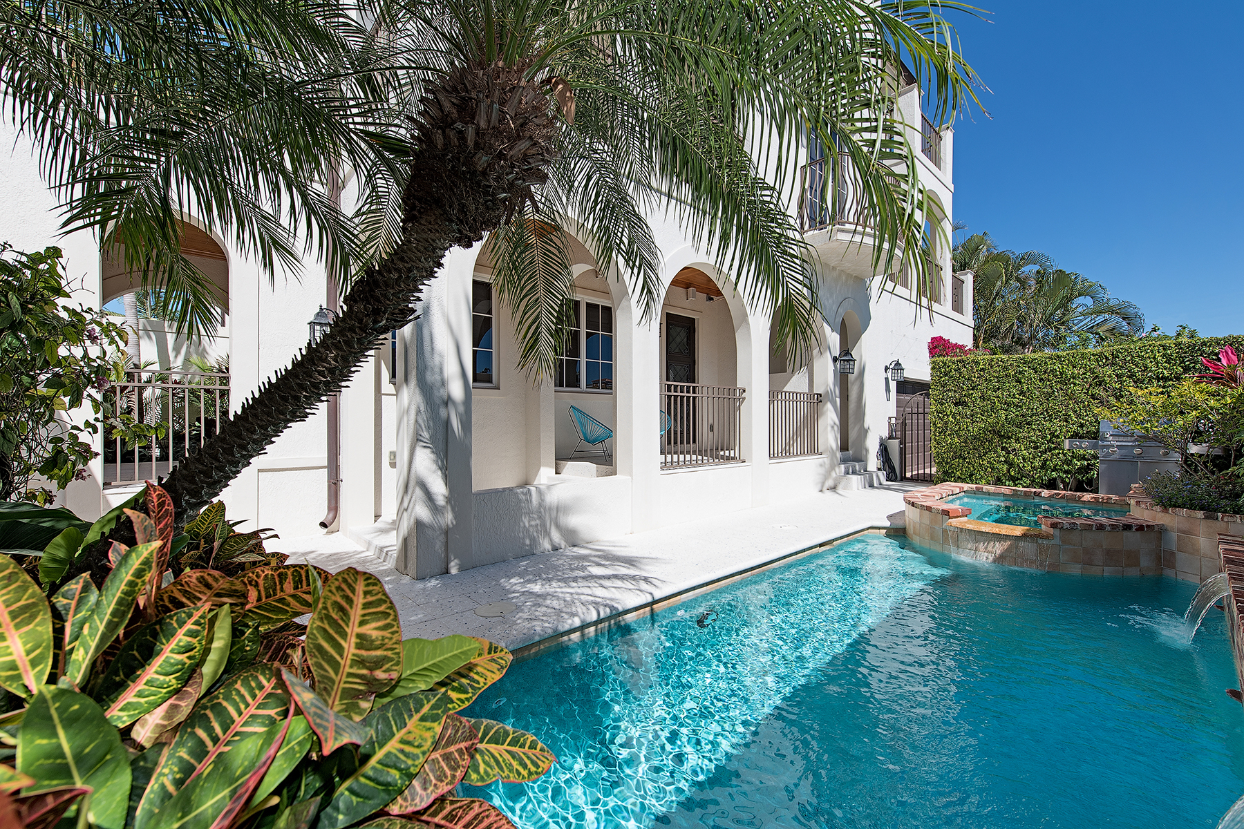 Maison accolée pour l Vente à OLDE NAPLES - TRE VILLE 433 5th St S C, Naples, Florida 34102 États-Unis