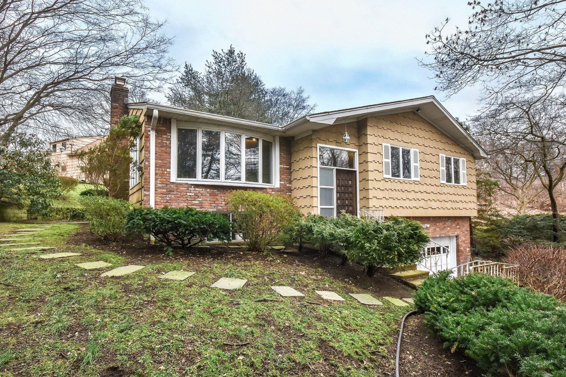 Частный односемейный дом для того Продажа на 2 Woodland Rd , Glen Cove, NY 11542 2 Woodland Rd, Glen Cove, Нью-Йорк, 11542 Соединенные Штаты