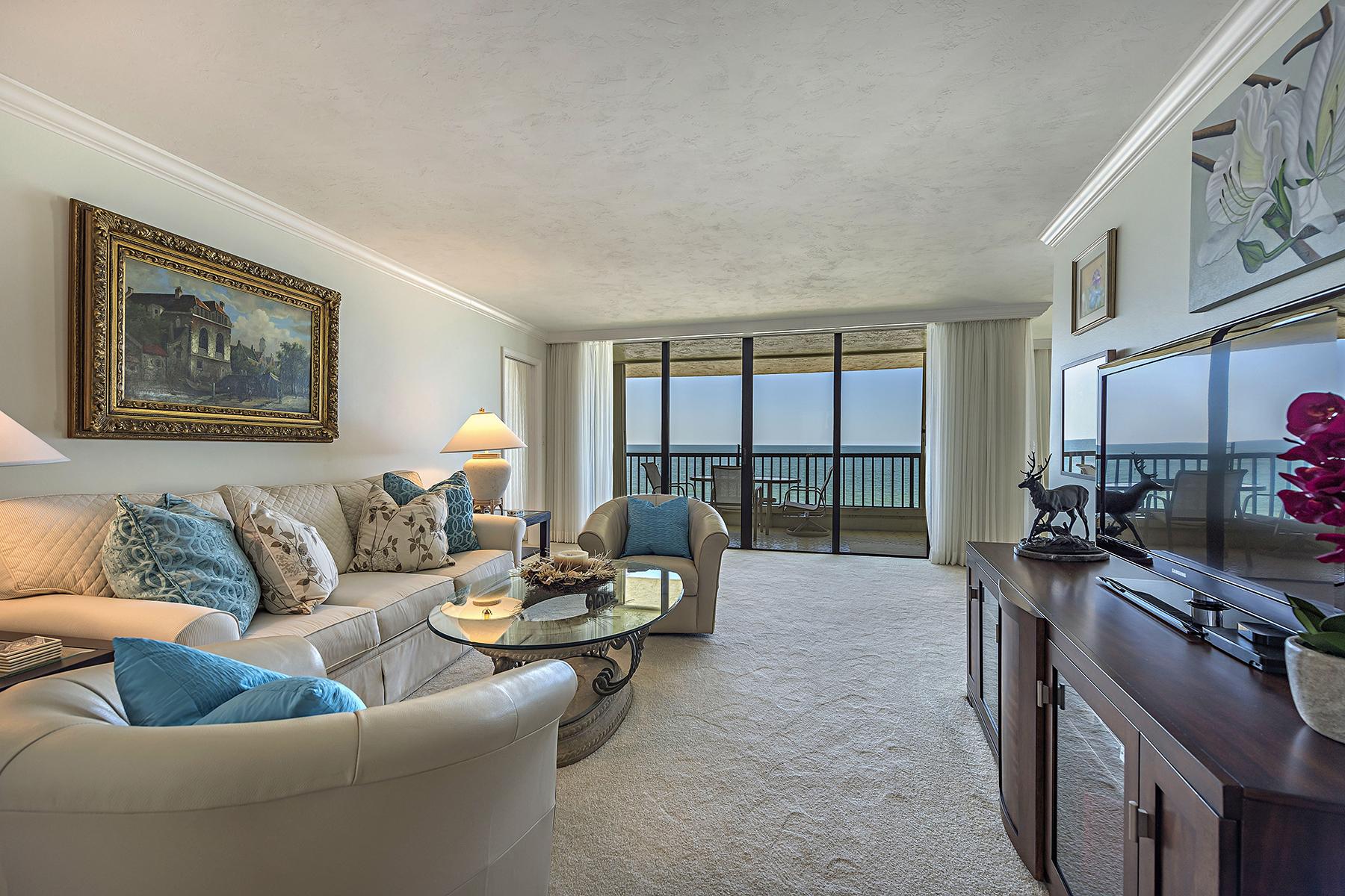 Appartement en copropriété pour l Vente à MOORINGS - ADMIRALTY POINT 2365 Gulf Shore Blvd N 505 Naples, Florida, 34103 États-Unis