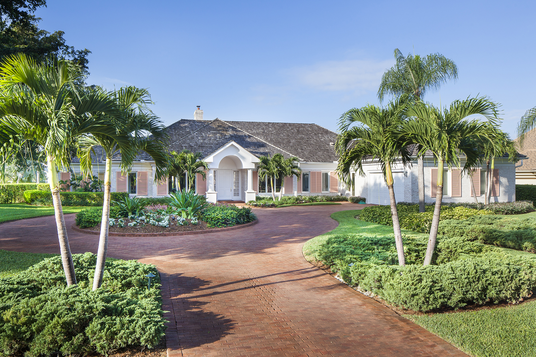 Single Family Home for Sale at PELICAN BAY - PINECREST 6609 Ridgewood Dr Naples, Florida, 34108 United States