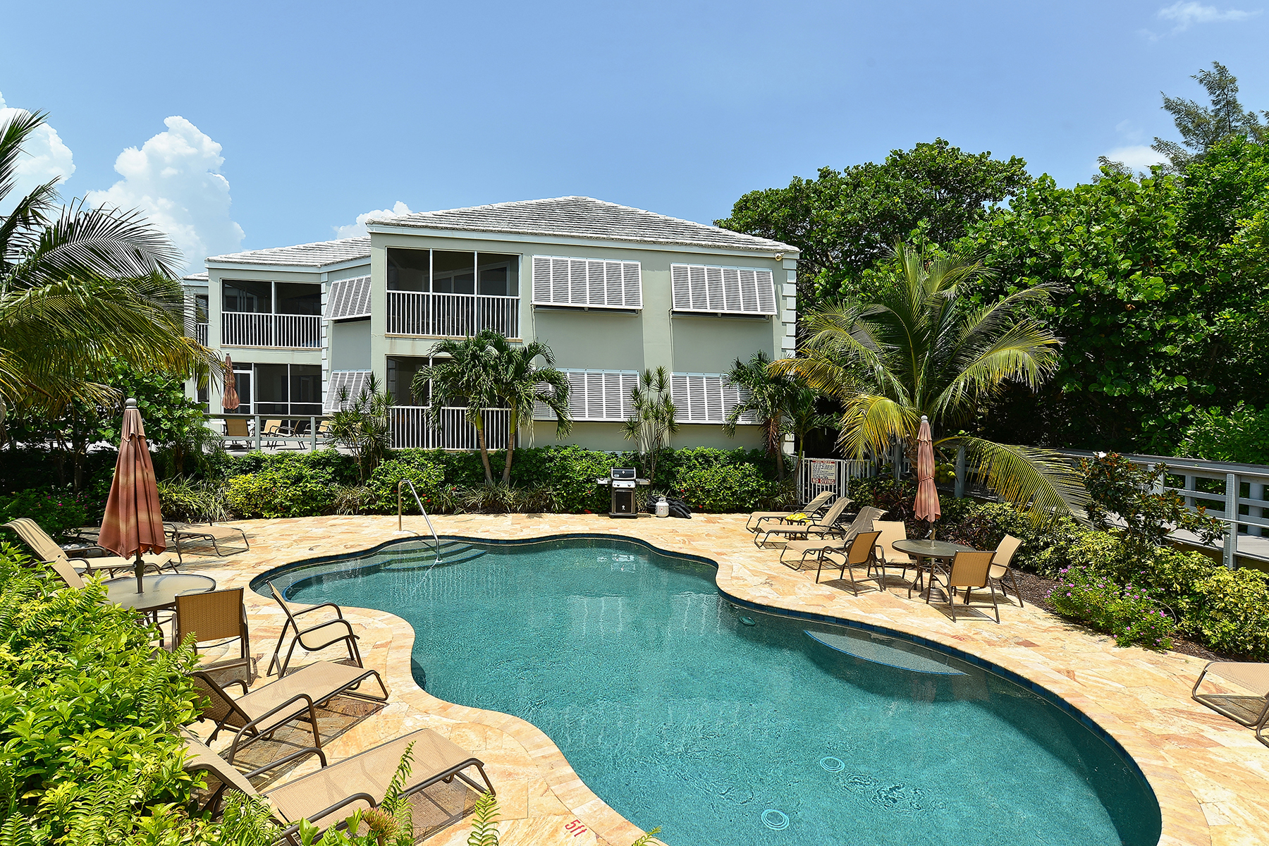 Condominium for Sale at LONGBOAT KEY 5621 Gulf Of Mexico Dr 102 Longboat Key, Florida, 34228 United States