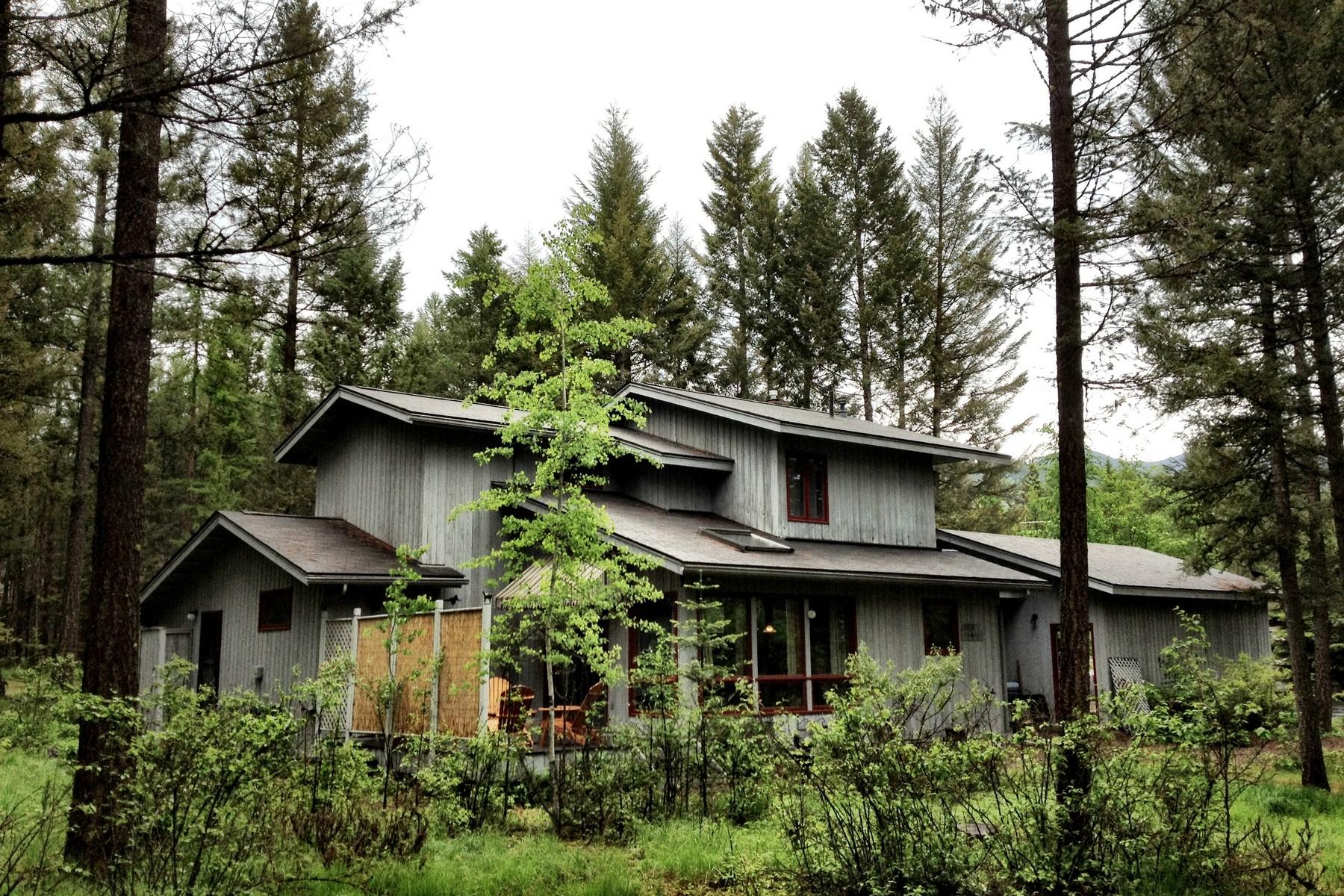 Casa Unifamiliar por un Venta en Houston Point Charmer 2260 Houston Point Dr Whitefish, Montana, 59937 Estados Unidos