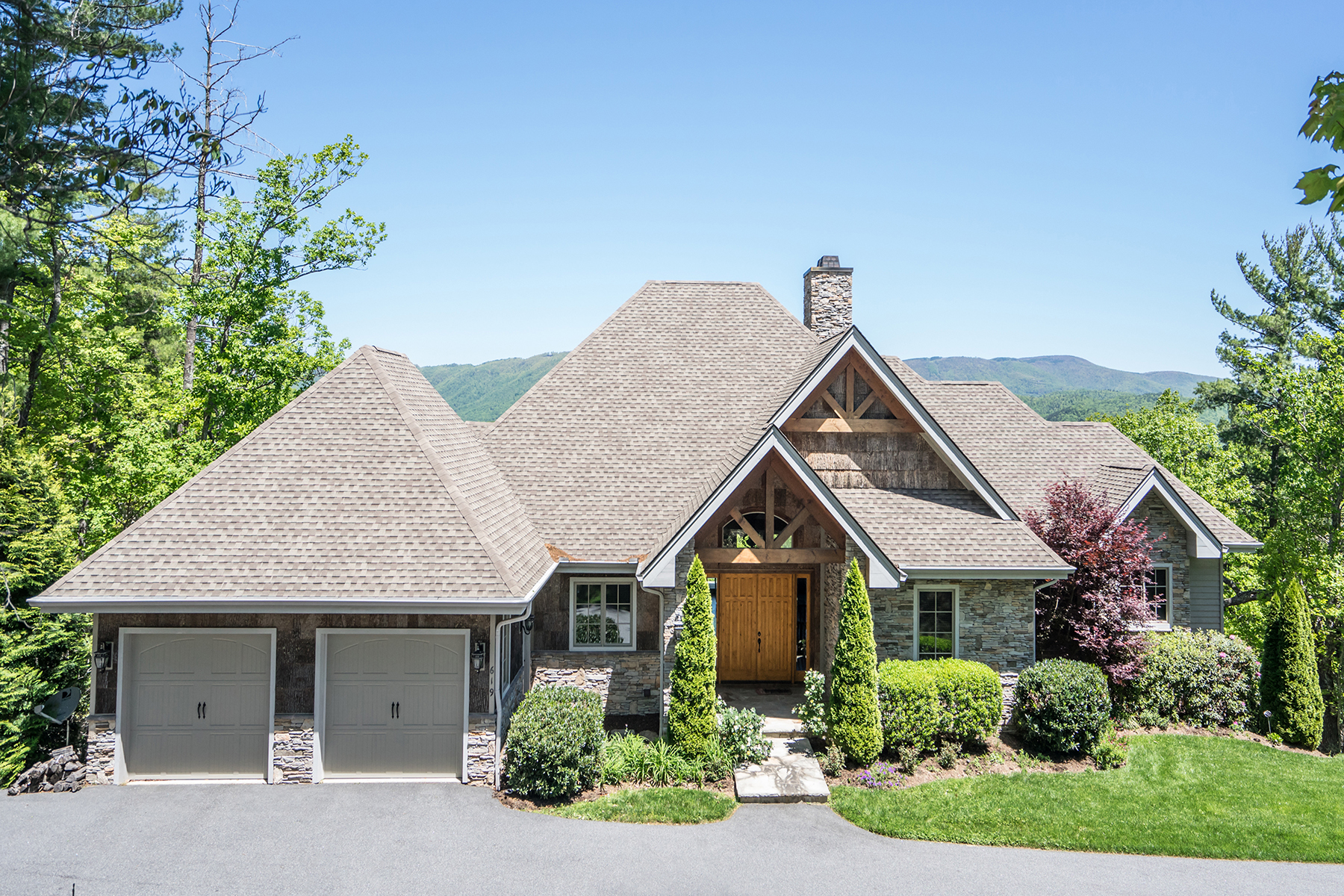 Single Family Home for Sale at Boone 619 Red Cedar Rd Boone, North Carolina, 28607 United States