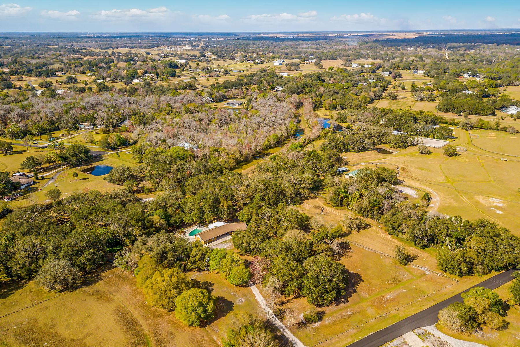 واحد منزل الأسرة للـ Sale في HIDDEN RIVER 4387 Hidden River Rd, Sarasota, Florida, 34240 United States