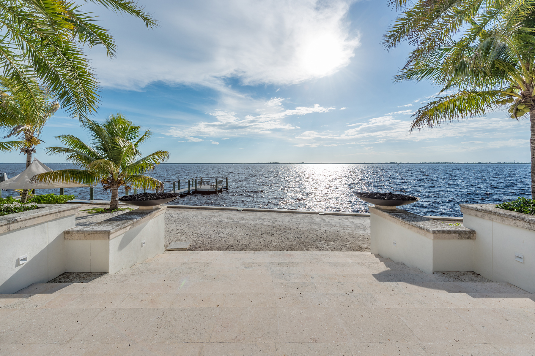 Single Family Home for Sale at Fort Myers 1240 Coconut Dr Fort Myers, Florida, 33901 United States