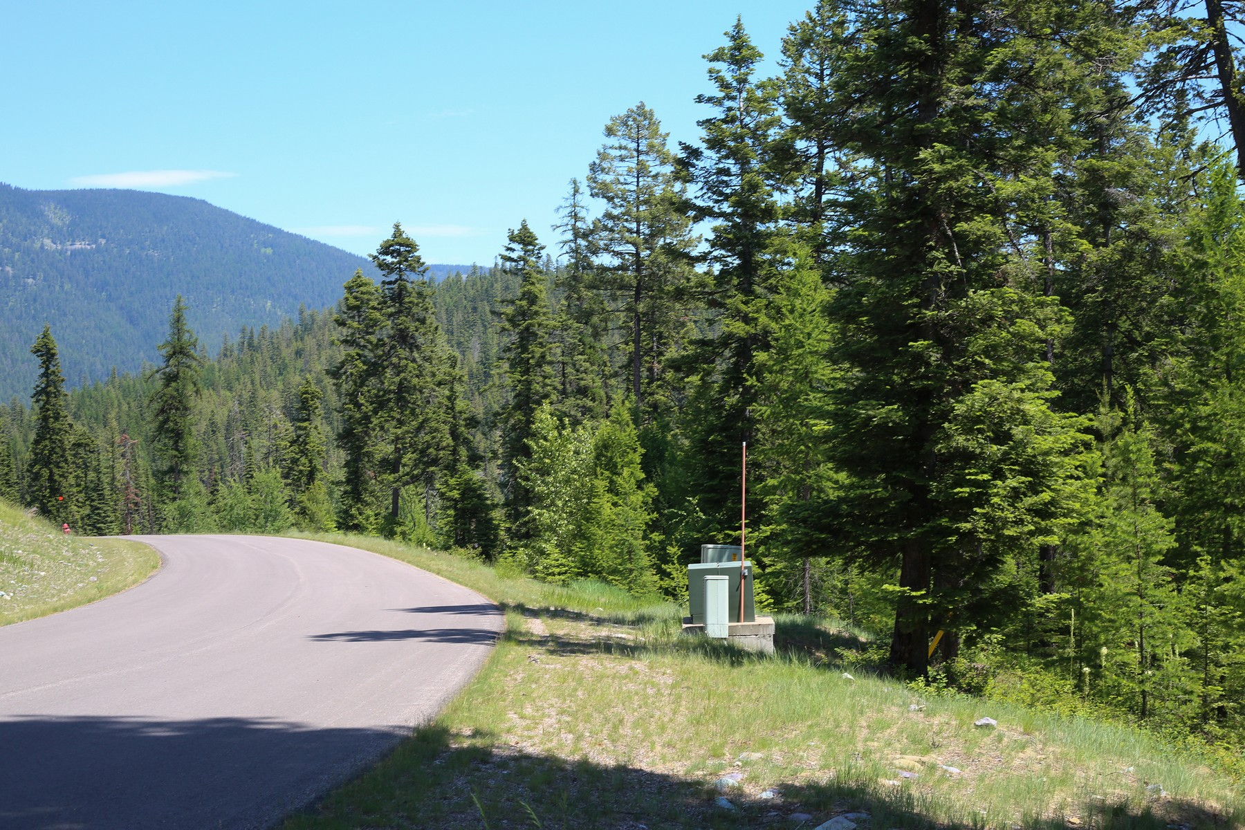 Additional photo for property listing at 211 N Beargrass Cir , Whitefish, MT 59937 211 N Beargrass Cir Whitefish, Montana 59937 United States